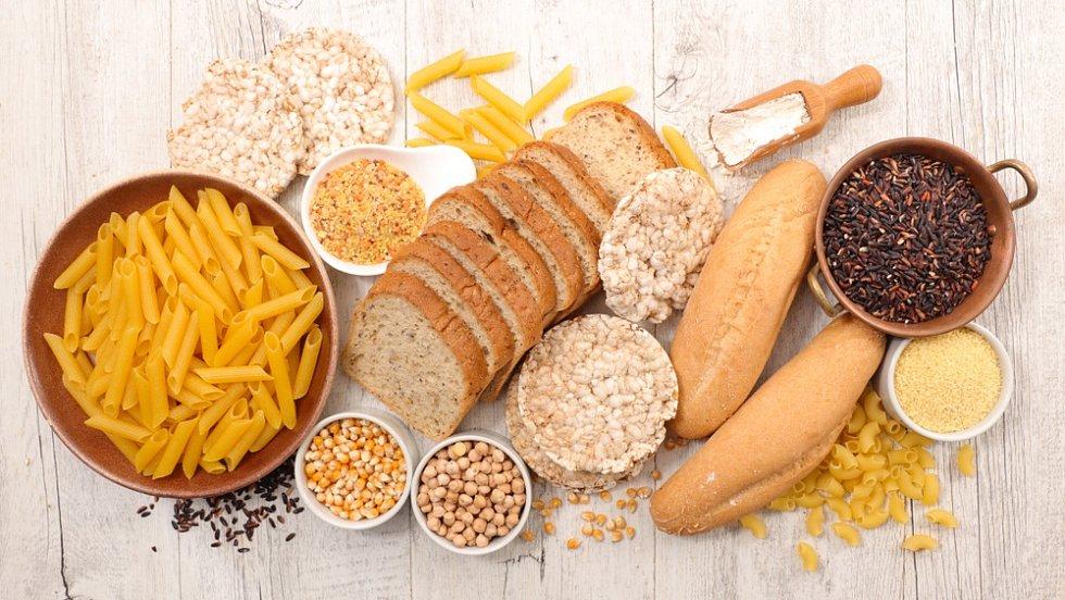 K dispozici jsou těstoviny i pečivo, které obsahuje jiné druhy mouky, například kukuřičnou.