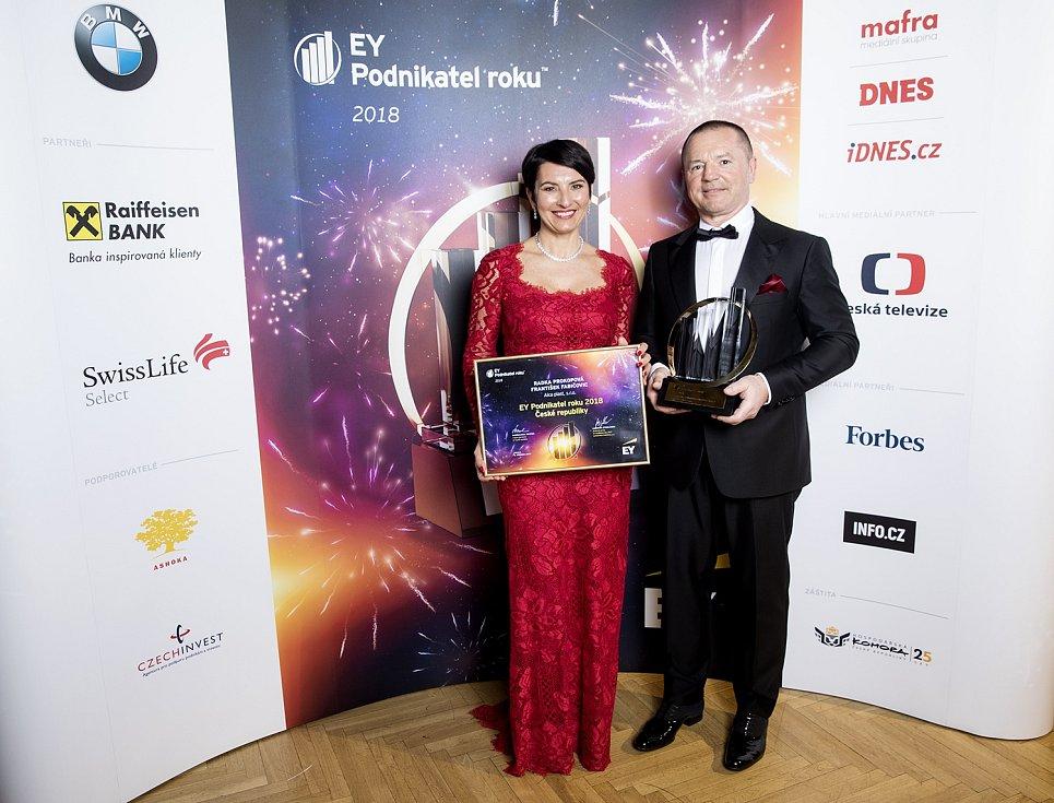 Radka Prokopová a František Fabičovic, majitelé společnosti Alca plast a držitelé titulu EY Podnikatel roku 2018 České republiky