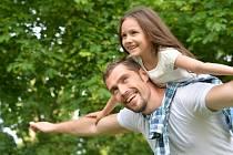 Vztah otce a dcery je pro její dospělý život zásadní. Dokonce natolik, že ovlivňuje i výběr budoucího partnera.