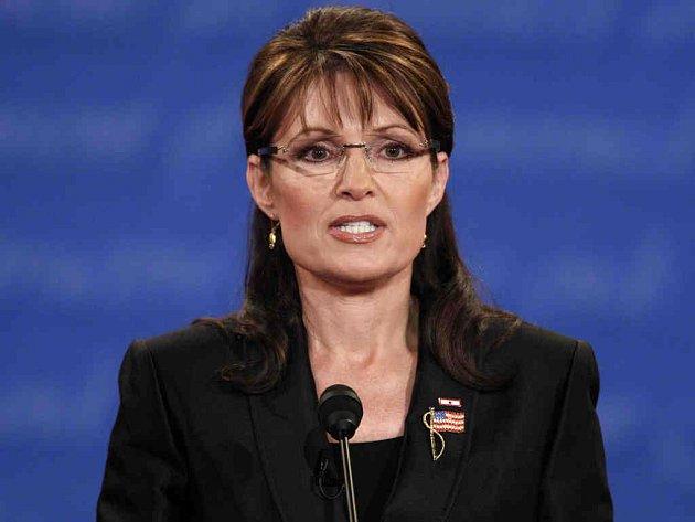"""Republikánská kandidátka na úřad viceprezidentky, aljašská guvernérka Sarah Palinová je v médiích často přezdívána """"pibul v sukních""""."""