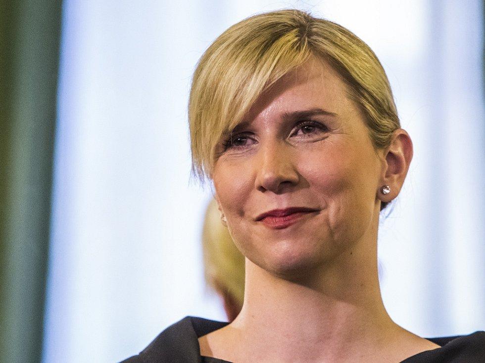 Ministryni školství Kateřině Valachové (za ČSSD) se zatím podařilo získat proti původnímu návrhu rozpočtu jejího resortu na příští rok 1,5 miliardy korun navíc.