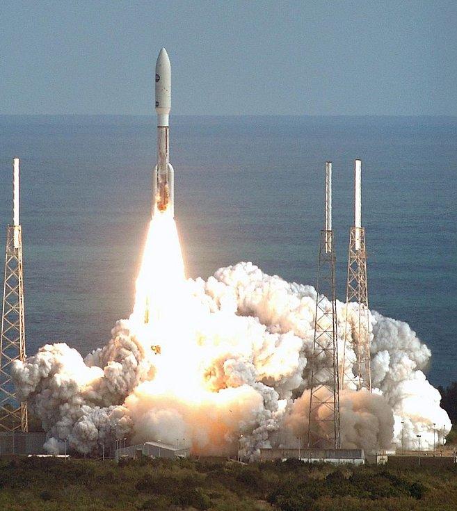 Start rakety se sondou New Horizons v roce 2006