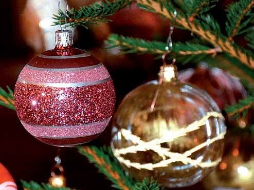 První vánoční ozdoba vznikla ve vsetínském závodě Irisa před šedesáti lety.