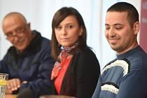 Iráčtí uprchlíci ze skupiny, která žije v Českém Těšíně na Karvinsku, dnes na tiskové konferenci uvedli, že chtějí zůstat natrvalo v Česku.