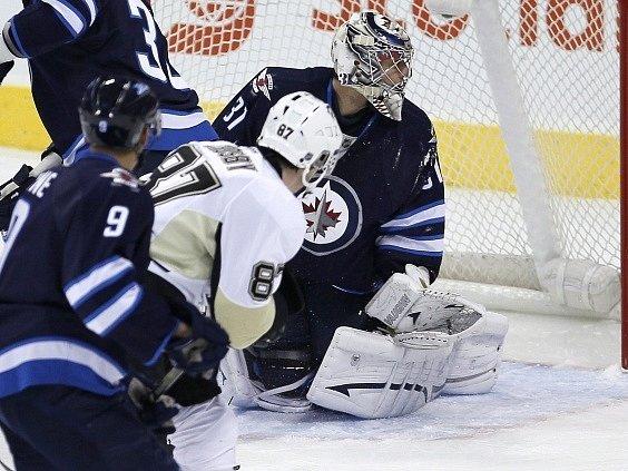 Sidney Crosby se podruhé trefuje do Pavelcovy sítě