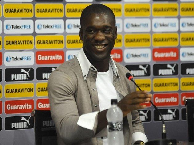 Trenér AC Milán Clarence Seedorf.