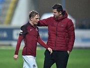 Bořek Dočkal (vlevo) a trenér Sparty David Holoubek.