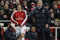 Trenér Arsenalu Wenger s Tomášem Rosickým.