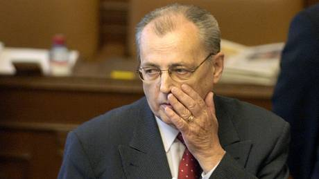 Ve věku 82 let zemřel v noci na 6. března 2021 exministr obrany a někdejší místopředseda KDU-ČSL Vilém Holáň