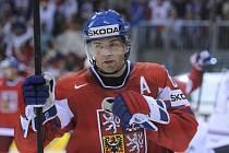 Jaromír Jágr se raduje z gólu.