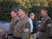 Maďarský nápis Nacisti na úřadu v maďarské obci Mlynky, obývané Slováky, ukázal portál luno. hu.