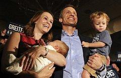 Guvernér Greitens se svou rodinou
