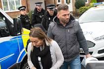 Policie propustila Paula Gaita i jeho ženu Elaine z vazby
