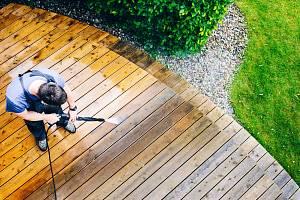 Pohodlné a bezpečné chodníky potřebujete jak na příjezdové cestě, tak na cestičkách a pěšinách na zahradě.