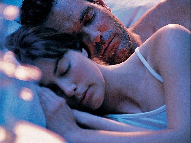 Klidně spí. Třeba i proto, že si včas zkontrolovali své smlouvy o životním pojištění.