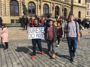 Stávka studentů Vyjdi ven: Náměstí Jana Palacha v Praze