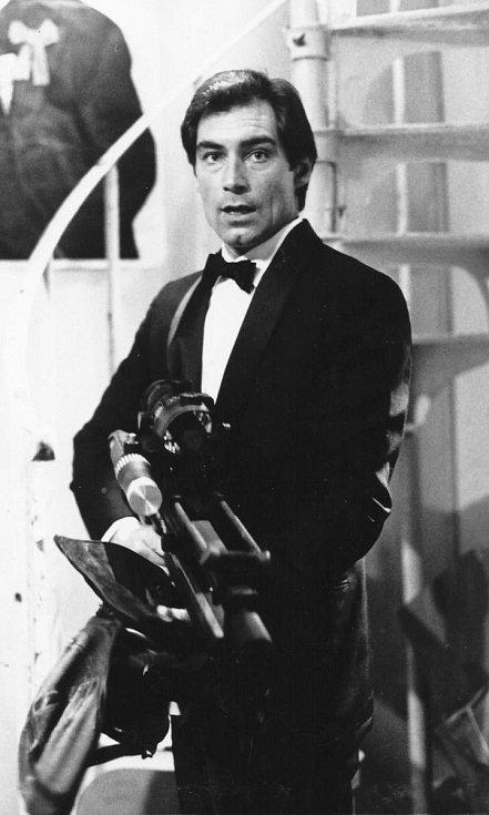 James Bonda si zahrál také Timothy Dalton