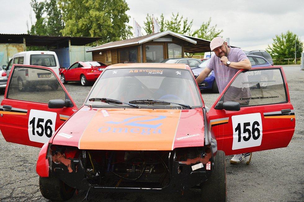 Karel Zima donedávna jezdil rallye a závody do vrchu.