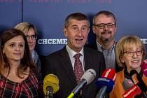Sledování výsledků krajských a senátních voleb ve volebním štábu ANO, 8. října v Praze.
