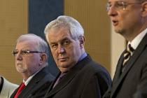 Miloš Zeman na tiskové konferenci po plenárním zasedání Rady hospodářské a sociální dohody - tripartity.