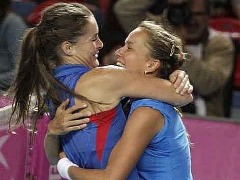 České tenistky porazily v semifinále Fed Cupu Belgii 3:2 a po 23 letech si zahrají finále, v němž se v listopadu utkají s Ruskem.