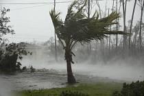 Hurikán Dorian na Bahamách