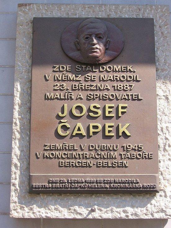 Pamětní deska Josefa a Heleny Čapkových v Hronově