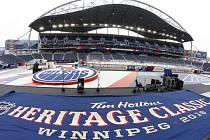 Zápas Edmontonu s Winnipegem se odehraje na Investors Group Field, stadionu pro americký fotbal.