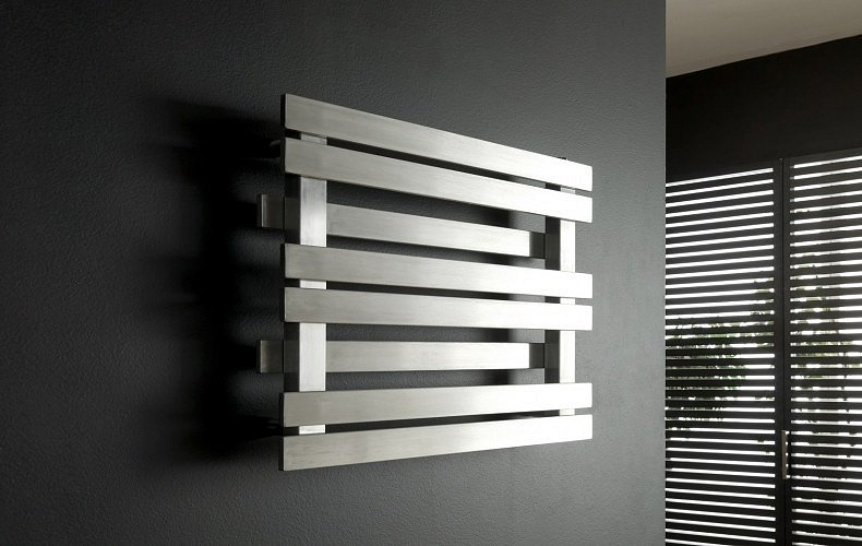 Originální design koupelnového žebříku