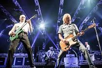 STATUS QUO jsou nejdéle hrající rockovou kapelou na světě. Začínali v roce 1962.