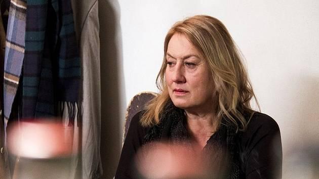 Zuzana Michnová v originálním portrétu Jitky Němcové Jsem slavná tak akorát.