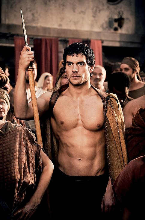 Během příprav fantasy Válka bohů mu tvůrci nabídli, že jeho svaly dotvoří pomocí triků a make-upu. Henry s díky odmítl a slíbil, že to zvládne sám – v posilovně. Byla to pro něj otázka herecké cti. Trénoval osm hodin denně pět dní v týdnu.
