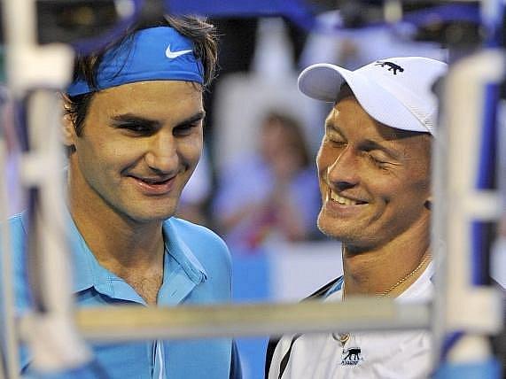 Nikolaj Davyděnko(vpravo) vzal svůj konec na Australian Open sportovně.