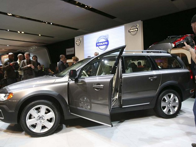 Volvo XC70 - nejnovější přírůstek do rodiny osobních automobilů značky Volvo.