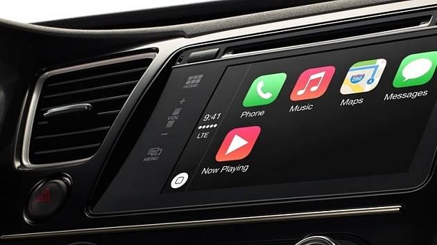 Apple představil automobilovou platformu CarPlay
