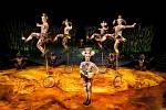 Cirque du Soleil vznikl v roce 1984 v kanadském Québecu. V té době jej tvořilo 73 zaměstnanců, z nichž bylo 20 umělců