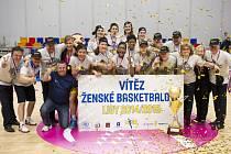 Basketbalistky USK Praha se staly po triumfu v Evropské lize a Českém poháru i ligovými mistryněmi.