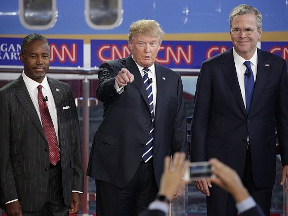 Zleva Ben Carson, Donald J. Trump a Jeb Bush.