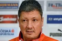 Trenér Ljuboslav Penev.