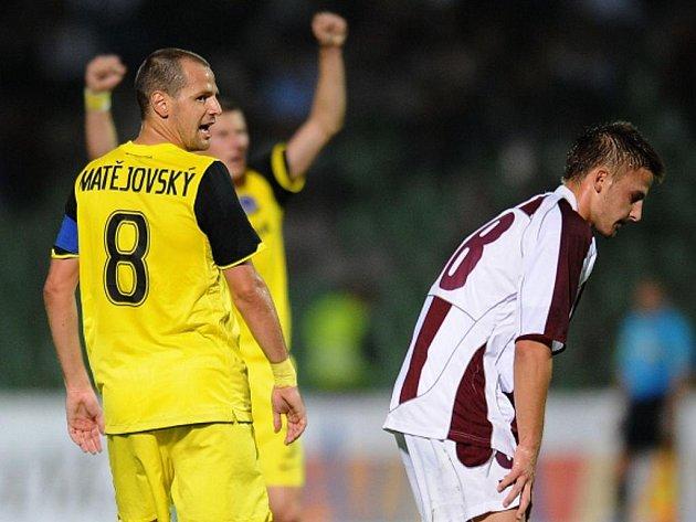 Marek Matějovský ze Sparty po vstřelení gólu proti Sarajevu.