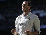 Gareth Bale, autor zřejmě nejhezčího gólu všech finálových utkání Ligy mistrů, se s Walesem na turnaj neprobojoval.