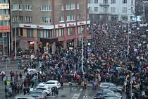 Bratislava zažila velké protesty už 17. března (na snímku), ve čtvrtek 5. dubna si je zopakovala