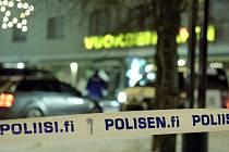 Před restaurací na pěší zóně v centru, kde se nacházejí i noční kluby, střílel třiadvacetiletý místní občan. Své tři oběti zasáhl každou několika ranami z pušky do hlavy a trupu.