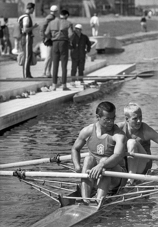 Tokio 1964: Pavel Hofmann na dvojskifu po boku Vladimíra Andrse