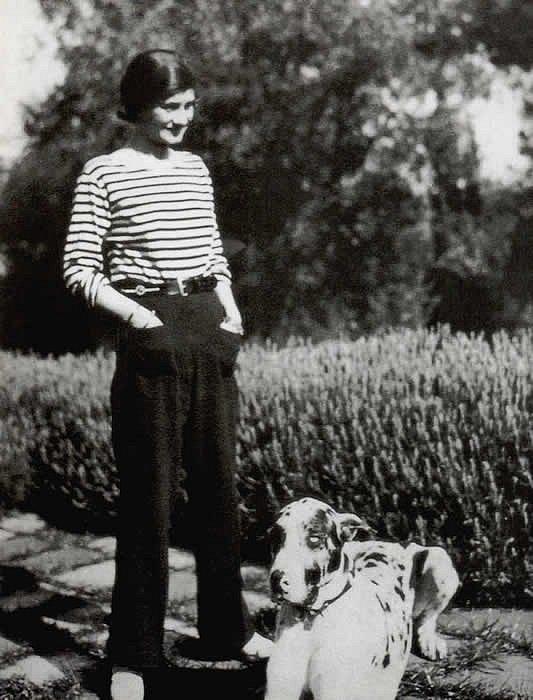 Módní návrhářka Coco Chanel v roce 1928