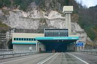Dálniční tunel pod Karavankami