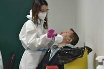 Odběry na koronavirus ve Zlíně. Ilustrační snímek