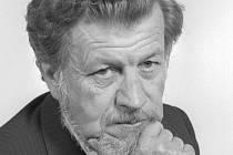 Ladislav Simon na archivním snímku z 15. června 1989. Skladatel, dramaturg, dirigent a klavírista Ladislav Simon zemřel 19. května 2011 v Čerčanech na Benešovsku po dlouhé těžké nemoci ve věku 82 let.