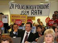 Středočeští zastupitelé rozhodují o privatizaci nemocnic