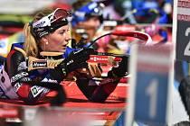 Česká biatlonistka Lucie Charvátová při střelbě vleže (na snímku z 22. prosince 2018).